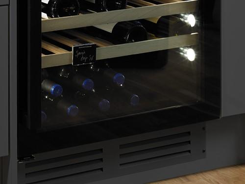 Ventilatierooster (Zwart) voor op eigen keukenplint