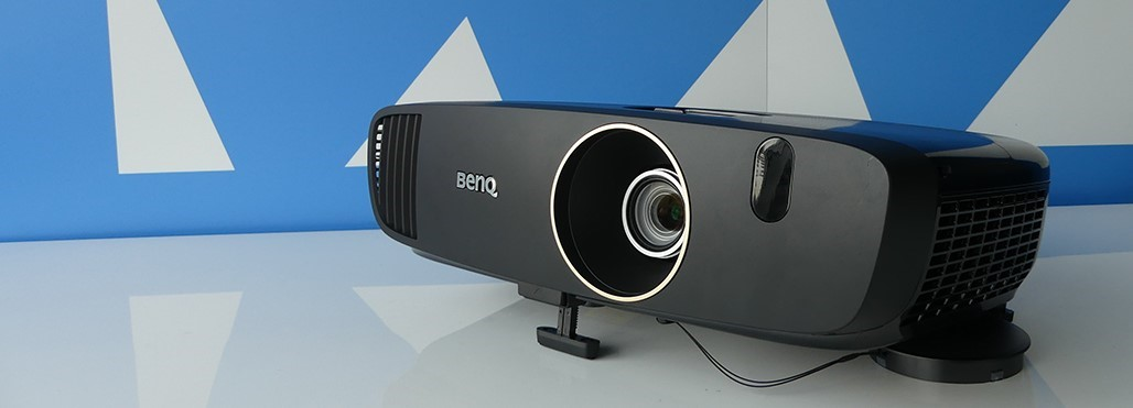 BenQ W2000+ beamer review
